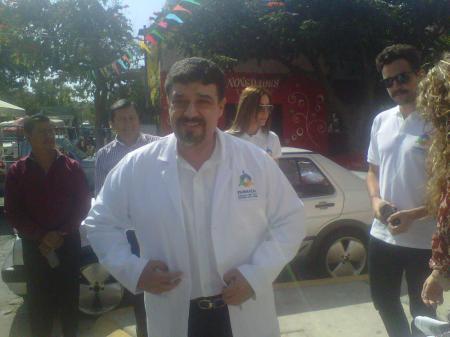 DR. Carlos Lomeli 2012 siguiendo2